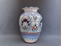 Hand painted ceramic vase from Faenza