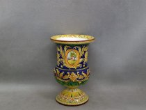 cup-shaped vase for cut flowers, majolica of Faenza