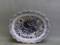 Oval bowl with swallow, Faenza majolica