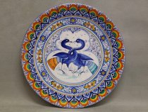 Majolica plate Pavona style decorated with twisted Astorre