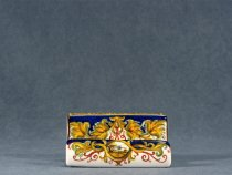 Business card holder richly decorated in Raphaelesque style, ceramics La Vecchia Faenza