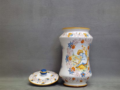 Jar and lid decorated in Compendiary style