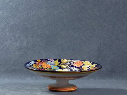 Raised fruit bowl 6 cm high painted with flowers, La Vecchia Faenza majolica