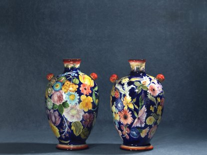 the back of the bottles painted with Flemish flowers, artistic ceramics La Vecchia Faenza