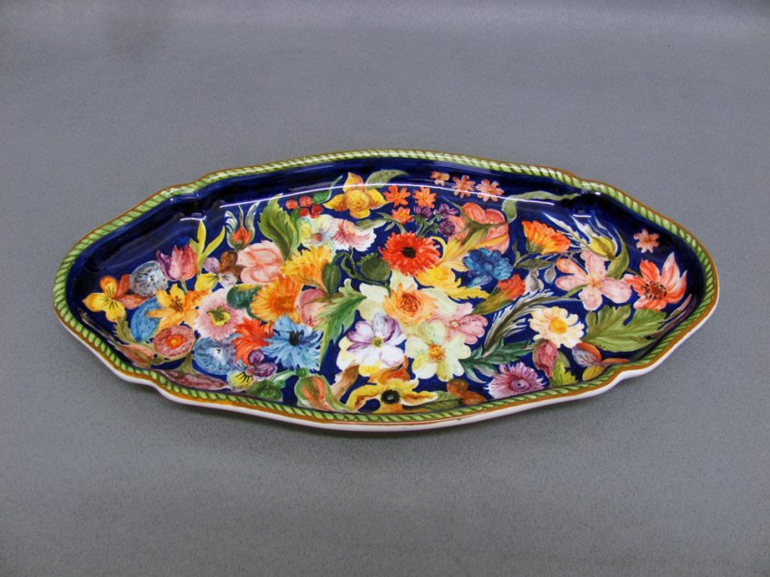 Ceramic ornamental tray painted with Flowers