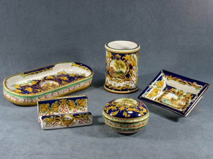 Raphaelesque decorated desk set, Ceramics La Vecchia Faenza