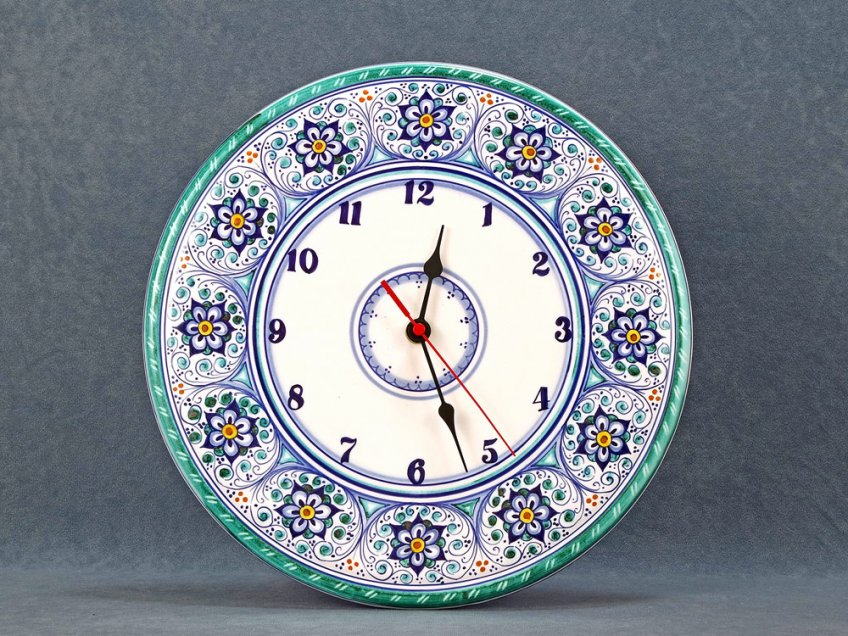 Hand-painted ceramic clock with Palmette and Rosettes, size 31 cm